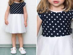 Kostenlose Anleitung für ein Jerseykleid mit Tüllrock für Damen und Mädchen inklusive Schnittmuster.