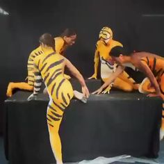 What happens when quarantined people watch Tiger King? - America's best pics and videos Wow Video, Video X, Choses Cool, Hobbies For Women, Funny Clips, Body Painting, Amazing Art, Amazing Body, Awesome