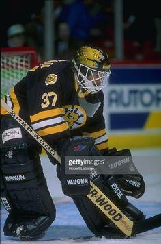 Vincent Riendeau (1993-95) Ice Hockey Teams, Hockey Stuff, Boston Bruins Goalies, Canada Hockey, Goalie Mask, Best Masks, My Boys, Nhl, Motorcycle Jacket