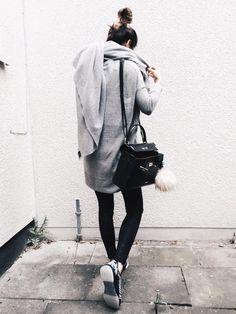Bloger https://www.instagram.com/bluejeans__whiteshirt/?hl=de showing some love to our women sneaker kimberley!
