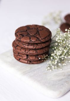 Recipe chocolate cookies ultra soft chocolate easy and fast 10 minutes - recettes - Recipe chocolate cookies ultra soft chocolate easy and fast 10 minutes - recettes - Cookies Et Biscuits, Cake Cookies, Chocolate Cookies, Chocolate Recipes, Chocolates, Flan Dessert, Cooking Cookies, Cookie Packaging, No Sugar Foods