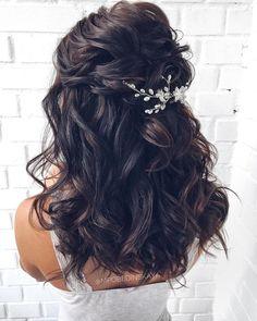 41 Relaxing Bridal Wedding Hairstyles Ideas That Looks Cool Half Up Wedding Hair, Romantic Wedding Hair, Wedding Hairstyles For Long Hair, Wedding Hair And Makeup, Bride Hairstyles, Down Hairstyles, Hairstyle Ideas, Short Hairstyle, Hair Ideas