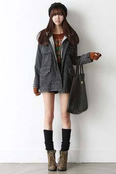 We introduce you a new modern vintage♥ hARU style will turn your ordinary days into extraordinary!  Those legs, please!
