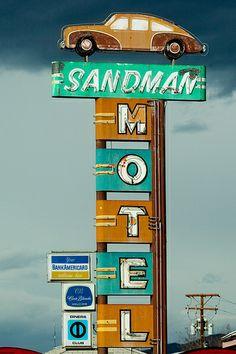 "Sandman Motel, Reno, NV... ""I'm So Alone"" by Thomas Hawk via flickr"