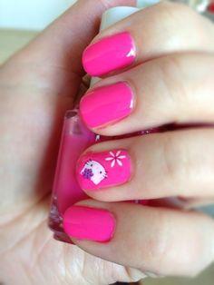 Cute Hello Kitty Nail