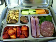 paleo lunchbox ideas for the kids...don't deprive them of a small treat!