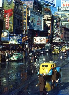 A rare color photo taken in New York City, probably in the late 30's- early 40's
