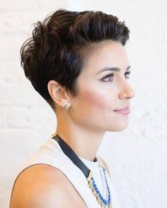 25 Trendy Short Pixie Hairstyles To Rock - Very Short Hair, Short Hair With Bangs, Short Hair Cuts, Pixie Cuts, Curly Pixie Haircuts, Hairstyles With Bangs, Rock Hairstyles, Undercut Pixie, Shaved Pixie