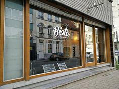 Biota is een nieuw koffiehuis met een glutenvrije focus. Er wordt gestreefd naar een 100% home-made aanbod: van de koekjes en gebakjes, de soep tot de pasta. Bovendien worden hiervoor lokale, biologische en glutenvrije ingrediënten gebruikt.