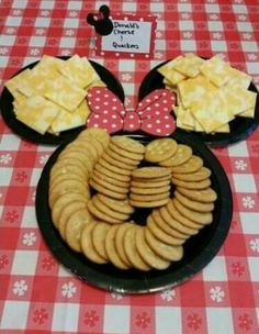 Mickey mouse cheese and crackers display Minnie Mouse First Birthday, Mickey Mouse Clubhouse Birthday Party, Minnie Mouse Baby Shower, Minnie Mouse Theme, Mickey Mouse Parties, Mickey Party, Mickey Mouse Birthday, 2nd Birthday, Disney Parties