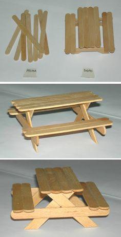 Una mesa de picnic mini donde pueden apoyar pequeñas cosas.