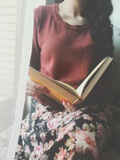 نشست و گفت، امروزو هیجا نرو... ببین هوا چقد خوبه! حیف نیس تو این هوا برام کتاب نخونی و من یه دل سیر نگات نکنم؟