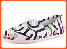 315185676d6 Toms Women s Classic White Casual Shoe 5.5 Women US - Sneakers for women  ( Amazon Partner-Link)