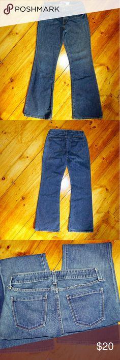 GAP jeans Flare 12 L Excellent condition GAP jeans, 12 L, pet free, smoke free home! GAP Jeans Flare & Wide Leg
