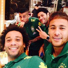 Marcelo, Hulk, Dani Alves and Neymar Brazil national soccer team Brazil Football Team, Brazil Team, Neymar Brazil, National Football Teams, Neymar Jr, Real Madrid, Everton, Alex Sandro, Gabriel Jesus