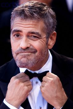 George Clooney, Rich Kids, Face Expressions, Dwayne Johnson, Guy Pictures, Good Looking Men, American Actors, Funny Faces, Film