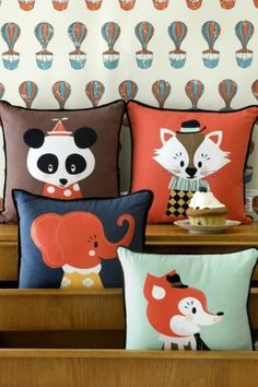 Discover our cute and adorable selection of tips on how to improve a kids bedroom decor with fluffy pillows.