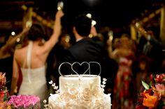 am toda a emoção do dia, o carinho e afeto dos noivos e muita sensibilidade. As minhas favoritas são as dos noivos após a cerimônia. Quanta ...