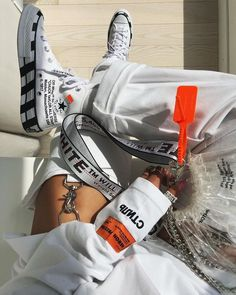 streetstyle/streetwear/NIKE shoes/Nike x off-white shoes/favourite Nike/Shoes Styles & Design/sneakers/sport/men/woman/style/Converse Converse Chuck, Estilo Converse, Off White Converse, Off White Shoes, Outfits With Converse, Black Shoes, Off White Belt, Sneakers Mode, Best Sneakers