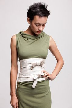 Corset Obi Belt by duende74 on Etsy but not with a dress like this…fabric is all wrong. Needs to be cotton or a fabric with more structure