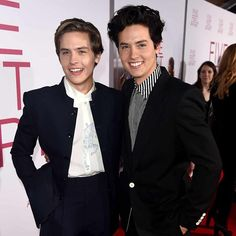 Cole sprouse says his twin, dylan sprouse, cried watching 'five feet apart' Dylan Sprouse Now, Dylan Sprouse Girlfriend, Sprouse Bros, Cole Sprouse Shirtless, Cole Sprouse Hot, Cole Sprouse Funny, Disney Stars, Hollywood Stars, Hot Actors