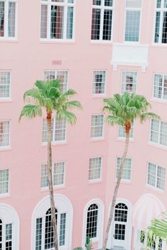 Pink on pink on pink: http://www.stylemepretty.com/little-black-book-blog/2014/11/03/pink-st-pete-beach-wedding/ | Photography: Autumn Cutaia - http://autumncutaia.com/