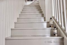 beautiful home, valkoinen sisustus, portaikko, portaat