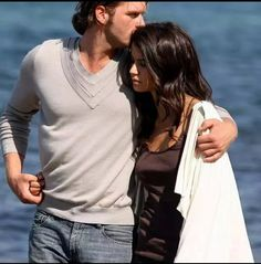 taking a walk ~ what a beautiful day Is that Thorin and Gretchen up ahead dancing? Drama, Forbidden Love, Lara Jean, What A Beautiful Day, After Movie, Tv Couples, Secret Love, Infatuation, Love Affair