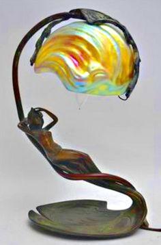 Antique art nouveau lamp w/ iridescent glass shade artist signed Antique Lamps, Antique Lighting, Antique Art, Vintage Lamps, Victorian Lighting, Chandeliers, Jugendstil Design, Art Nouveau Furniture, Art Nouveau Design