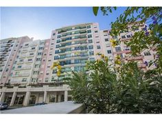 Lisboa, Parque dos Príncipes, Telheiras. Rua Professor Simões Raposo. Apartamento com 360 m2 e box para dois carros. Vendido em Junho de 2014 por 618 mil euros. Vendido por Diogo Neto.