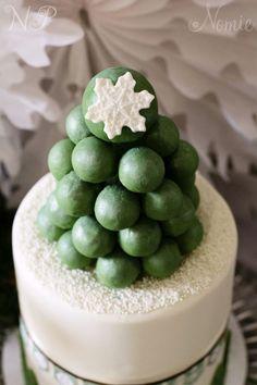 Holiday miniature cake