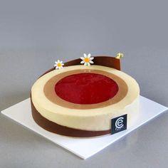 Tarta de Frambuesa y Vainilla con Mousse de Chocolate - Bavette Torte Recepti, Chocolate Mousse Recipe, Cheesecake Cake, Mousse Cake, Cake Shop, Recipe For 4, Keto Dinner, Beautiful Cakes, Vanilla Cake