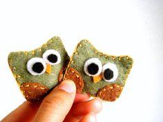 Owl Decor - Felt Owl Magnet Set in Pear Green - Woodland Fridge Magnet - Party Favors - Cute Owl