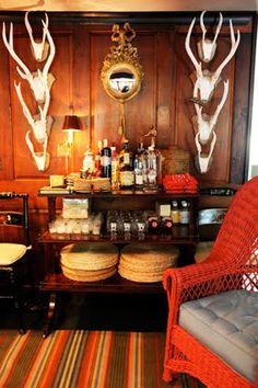 Rustic home bar - Jeffrey Bilhuber www.cocktailrevolution.com.au #schweppes #cocktail #homebar