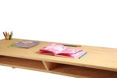 Kinderbureau Retro stijl. Gemaakt van 8 mm multiplex. Kidsroom, Retro, Children, Table, Inspiration, Decorating, Play, Furniture, Tv