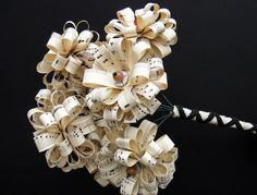 paper flower bouquet of sheet music from Fake Flowers, Diy Flowers, Fabric Flowers, Paper Flowers Wedding, Wedding Bouquets, Paper Art, Paper Crafts, Handmade Flowers, Music Notes