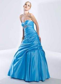 Glamorous sleeveless ball gown floor-length home coming dress