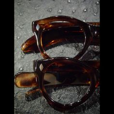 Same model different temples detail.  50's frame France  #神戸 #北野 #デッドストック #ヴィンテージサングラス #ヴィンテージメガネ #ヴィンテージ眼鏡  #ヴィンテージアイウェア #ヴィンテージ #サングラス #メガネ #眼鏡 #アイウェア #vintage #deadstock #vintageframes #vintagesunglasses #vintageeyewear #vintageeyeglasses #speakeasykobe #framefrance  (vintage eyewear store SPEAKEASY)  SPEAKEASY  650-0004  神戸市中央区中山手通2-13-8  エール山手ビル2階  078-855-5759  web site; www.speakeasy-kobe.com  email; info@speakeasy-kobe.com
