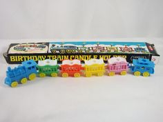 My children had this train on their birthday cakes. Vintage Birthday Cakes, Vintage Birthday Parties, Retro Birthday, Vintage Party, Retro Toys, Vintage Toys, Vintage Bakery, Cake Accessories, Birthday Cake With Candles