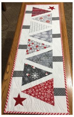 Quilted Table Runners Christmas, Christmas Tree On Table, Patchwork Table Runner, Christmas Runner, Table Runner And Placemats, Quilted Table Runner Patterns, Quilt Table Runners, Xmas Table Runners, Christmas Patchwork
