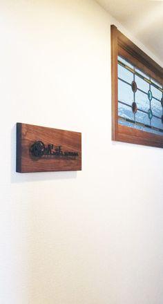 施工写真 Floating Nightstand, Floating Shelves, Table, Furniture, Home Decor, Floating Headboard, Decoration Home, Room Decor, Wall Shelves