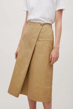 COS image 2 of A-line skirt with asymmetric fold in Tan Cos Skirts, A Line Skirts, Short Skirts, Modest Outfits, Classy Outfits, Skirt Outfits, Skirt Pants, Dress Skirt, Tan Skirt
