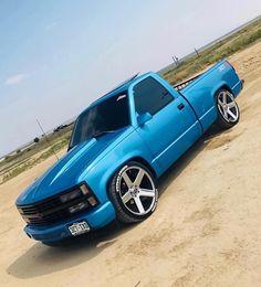 trucks chevy old Chevrolet Silverado, Chevy Stepside, Silverado Truck, Chevy Pickup Trucks, Gm Trucks, Chevy Pickups, Chevrolet Trucks, Gmc Suv, Chevy 4x4