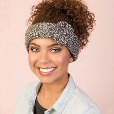 """Keep your ears warm without messing up your do! This fashionable loom knit headband with a flower accent couldn't be simpler. <p style=""""text-align:center""""><img alt="""""""" src=""""http://demandware.edgesuite.net/aawa_prd/on/demandware.static/-/Sites-simplicity-project-master/default/dw79368827/images/project/Project-Ratings_Yarn-Weights/Easy.jpg"""" title="""""""" /></p>"""