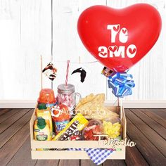 Gift to Mothers Day Cali Colombia Birthday Box, Happy Birthday, Bubble Balloons, Candy Bouquet, Original Gifts, Ideas Para Fiestas, Chocolate Strawberries, All Gifts, Flower Arrangements