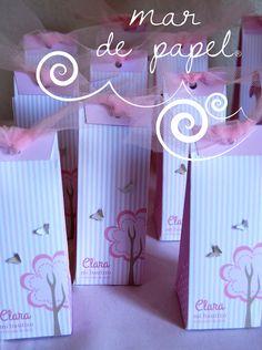 MAR DE PAPEL: El bautizo de Clara, en rosa y blanco