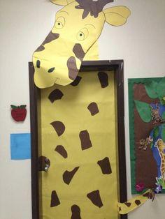 ideas classroom door decorations animals decorating ideas for 2019 Jungle Theme Classroom, Classroom Door, Safari Party, Safari Theme, Jungle Crafts, Preschool Jungle, Decoration Creche, Deco Jungle, Jungle Jungle