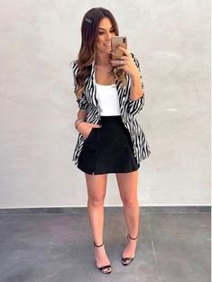 Discover recipes, home ideas, style inspiration and other ideas to try. Basic Outfits, Casual Outfits, Girl Outfits, Fashion Outfits, Womens Fashion, Casual Chic, Casual Wear, Look Blazer, Professional Outfits