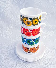 Retro Flower Power Mug Set 1970s Retro Tea / Coffee Cups and