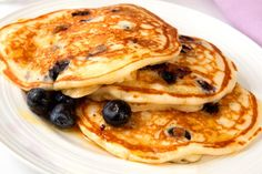 Written by:Lindsay Sibson Nothing is better on a Sunday morning than a delicious, home-cooked brunch (aside from sleeping in, of course). Pancakes and bacon and eggs… oh my! While my boyfriend can throw back 5 pancakes or more at one time, the fluffy golden circles don't go down as well for me. I usually end [...]